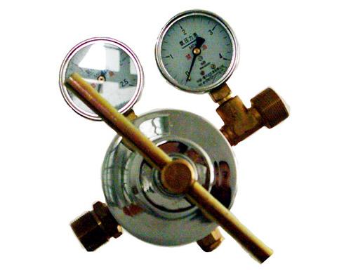 氧气调压器